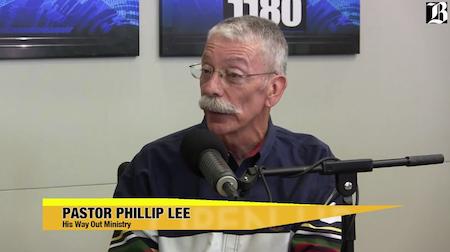 phillip-lee-open-up-close-450