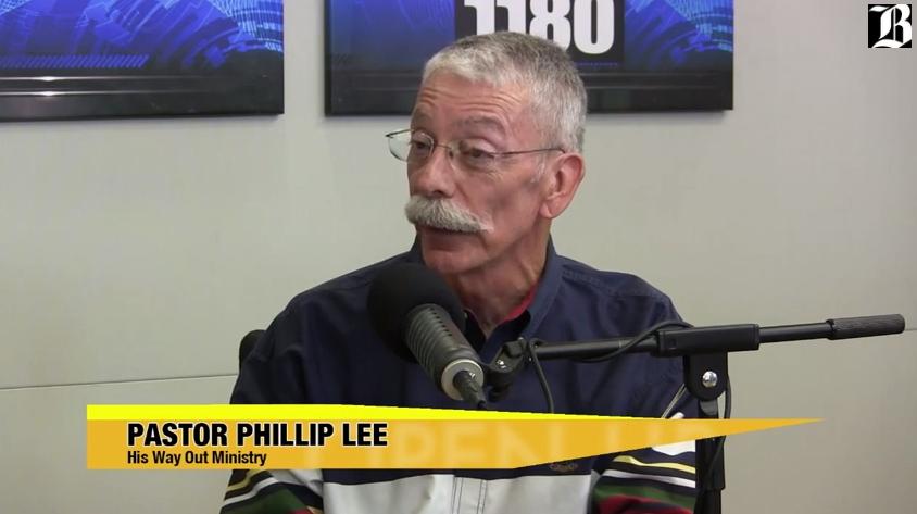 phillip-lee-open-up-close